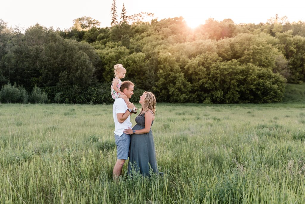 Edmonton family maternity photographer